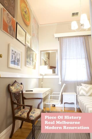 Boutique Single Room 3 stops to CBD