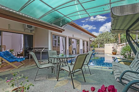 3 bed family pool villa near Bangsaray - Pattaya