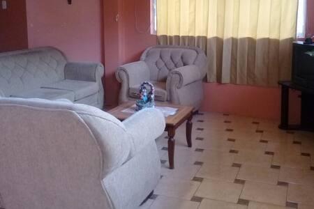 Dormitorios Riobamba 10 USD por cama para 2