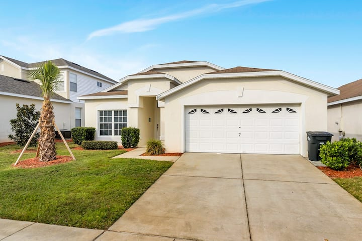 Modern home, 15 min to disney with private pool
