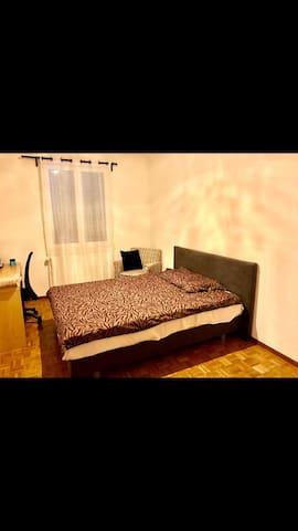 Chambre Privée à Bernex - Bernex - アパート