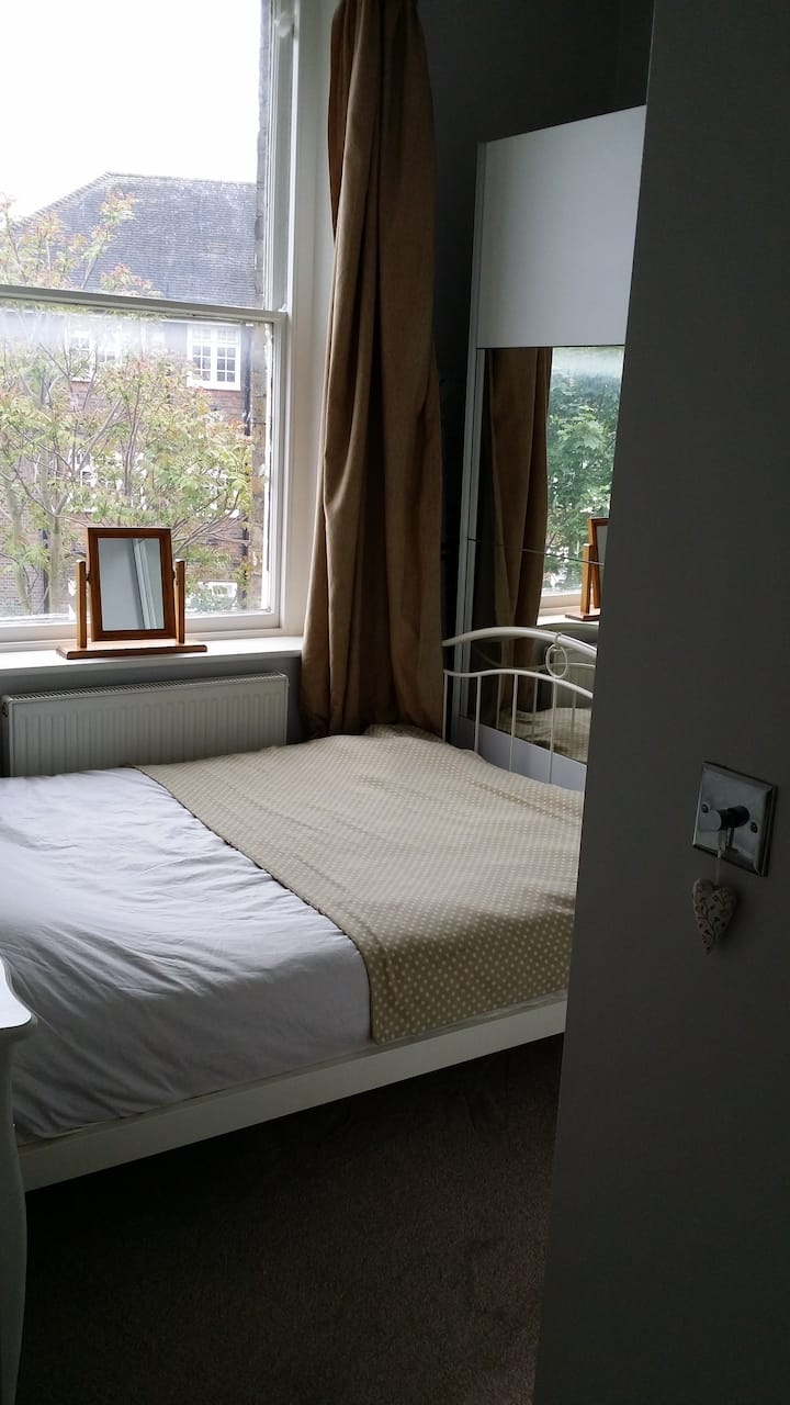 Cosy 1 bed flat central Kingston