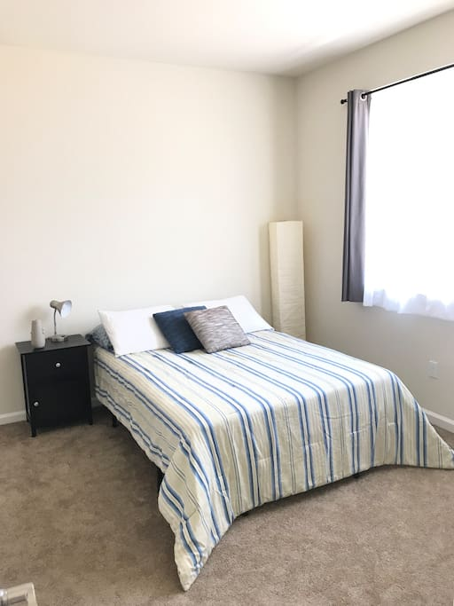 Furnished with full bed, nightstand and lighting!