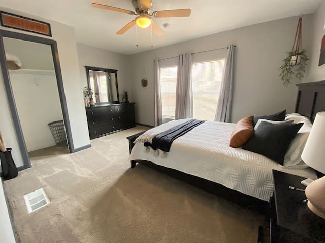 2nd Bedroom with Queen Bed and pillow top mattress.