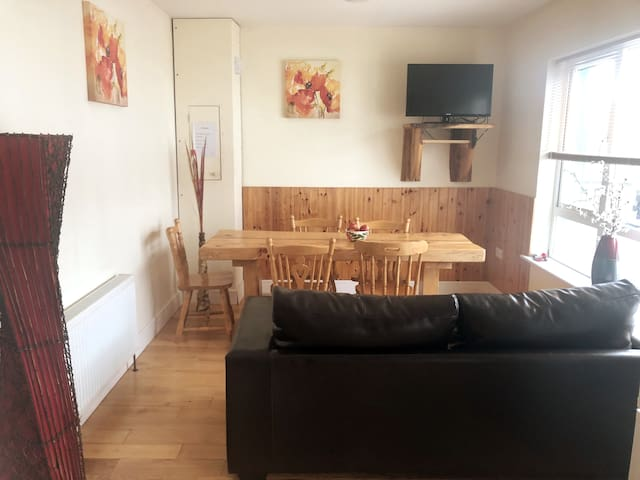 Hawthorn Apartment