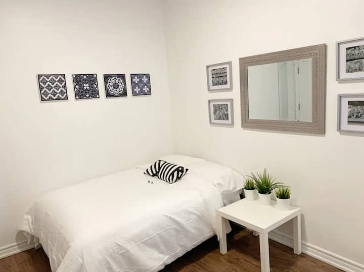 Super Accessible Downtown Studio | Toronto