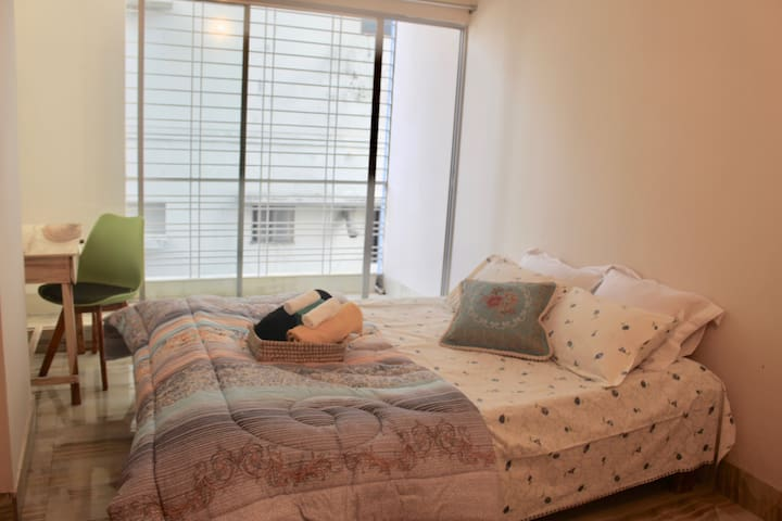 ✽ Cozy Room in Serviced Apt with Balcony