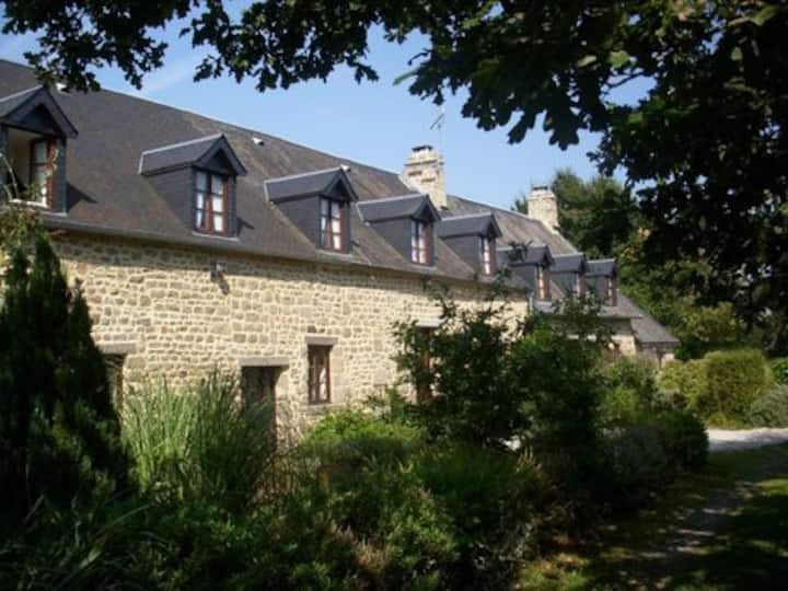 LE CLOS JEAN HOLIDAY COTTAGES