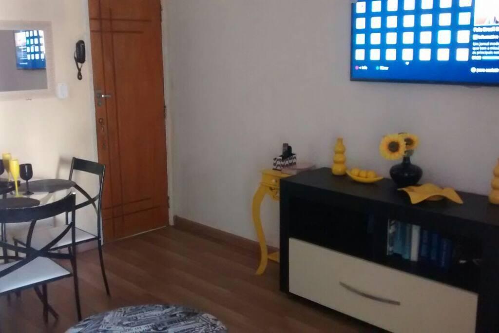 """Tv a cabo NET 51""""  polegadas com sistema de segurança"""