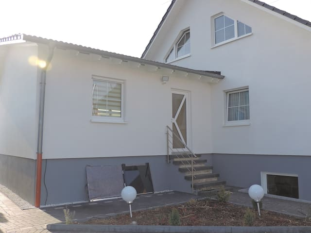 Schönes Studio nähe Hannover! - Seelze - Apartament