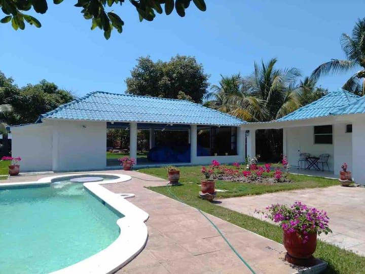 Rancho Los Azulinos - Hermosa casa para vacacionar