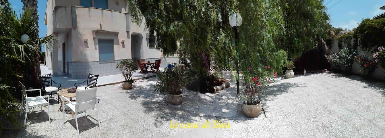 La casa di Sina Isole dello Stagnone