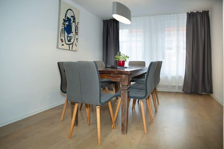 5-Zi. Apartment für bis zu 10-Gäste im Zentrum (14
