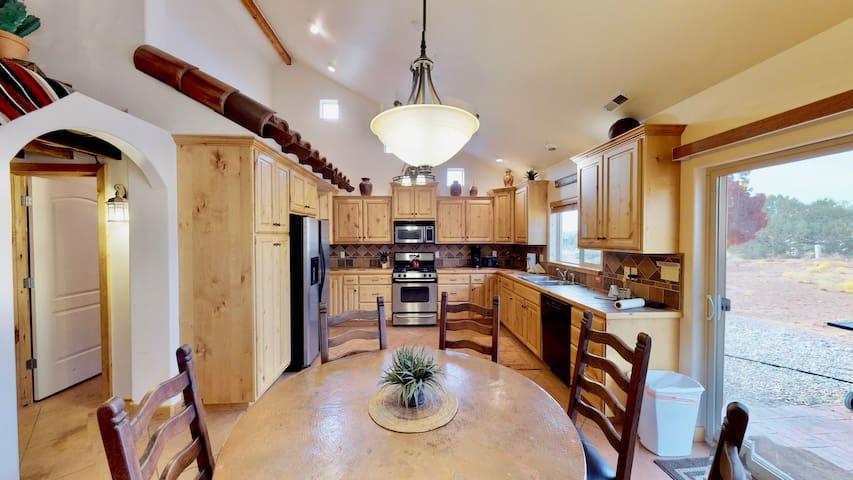 Luxury Stand Alone Home Near Moab Golf Course. RIO