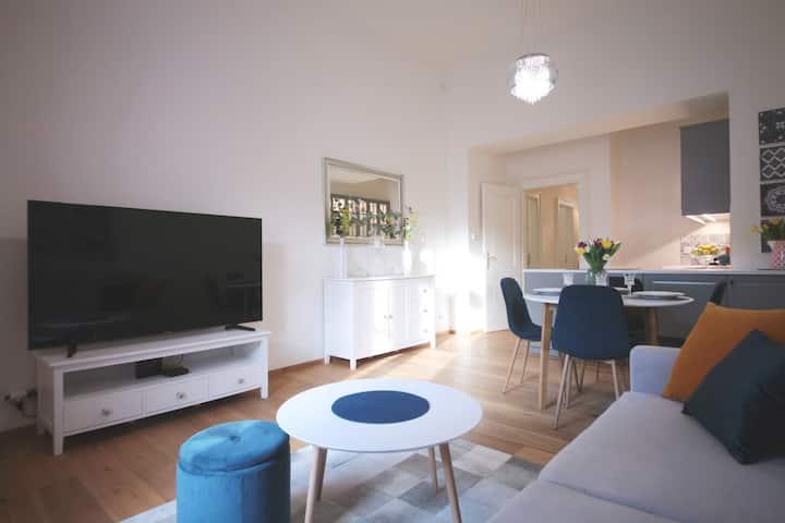 ☆NEW☆ Cozy & Stylish Apartment ❤ GREAT LOCATION!