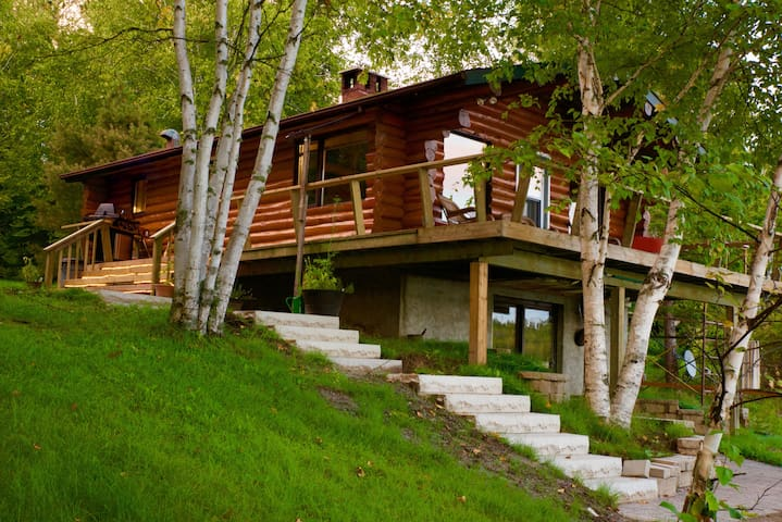 Peaceful Water's Edge log home