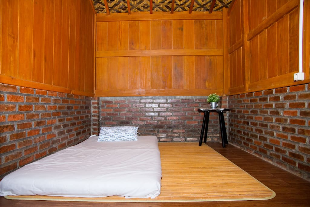 Single Bed Room #1