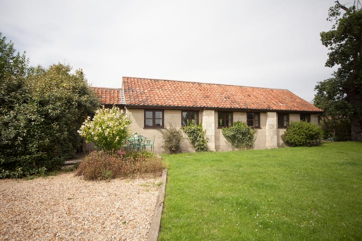 PigWig Cottage for 4, single storey, detached. - Bradford-on-Avon - House