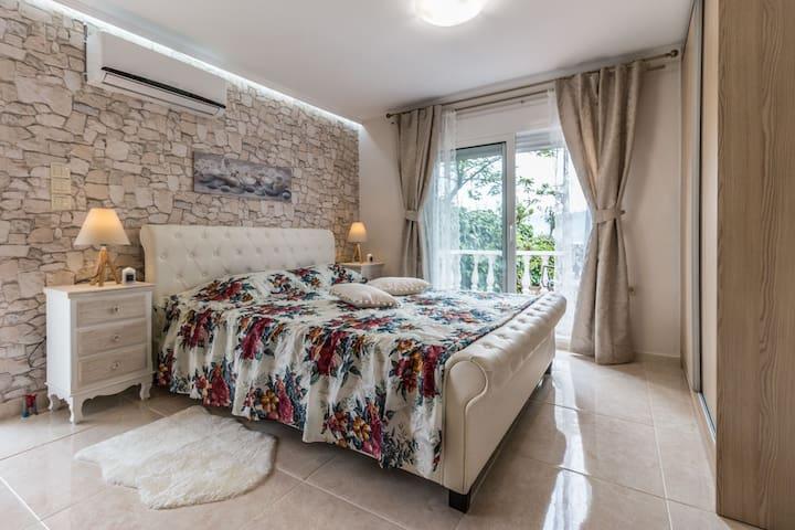 Anastasia's Residence Sea View