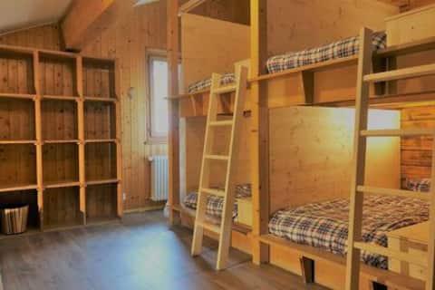 Lit box dans un dortoir à 6 lits Auberge rénovée