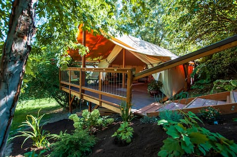 Hideaway Tent with Pool and Hot Tub