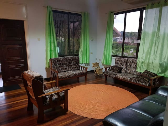 Cozy house in Residential centre of Paramaribo - Paramaribo - Apartamento
