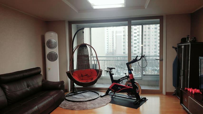 Clean room & convenient location