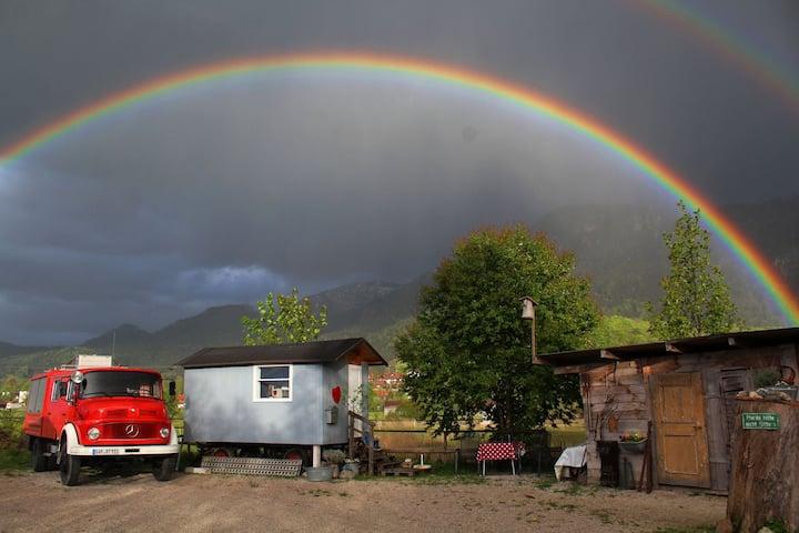 Tiny House unter dem Regenbogen