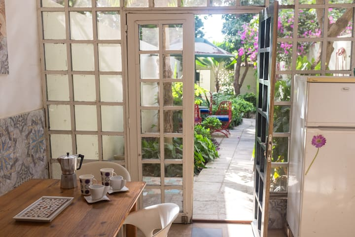 Charming duplex with a garden in the Almadies