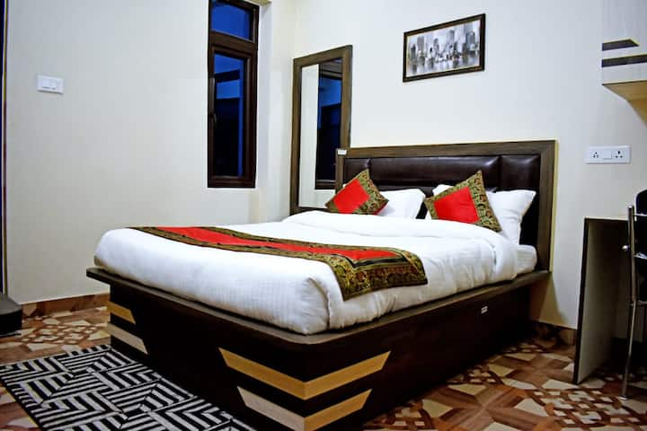 Comfy Stay Varanasi By GoBravo Hotels