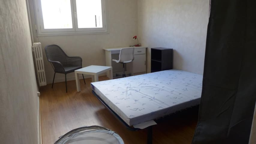 1 CHAMBRE PRIVATIVE CENTRE VILLE DE RENNES