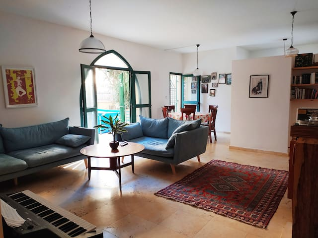 A lovely garden apartment in jaffa