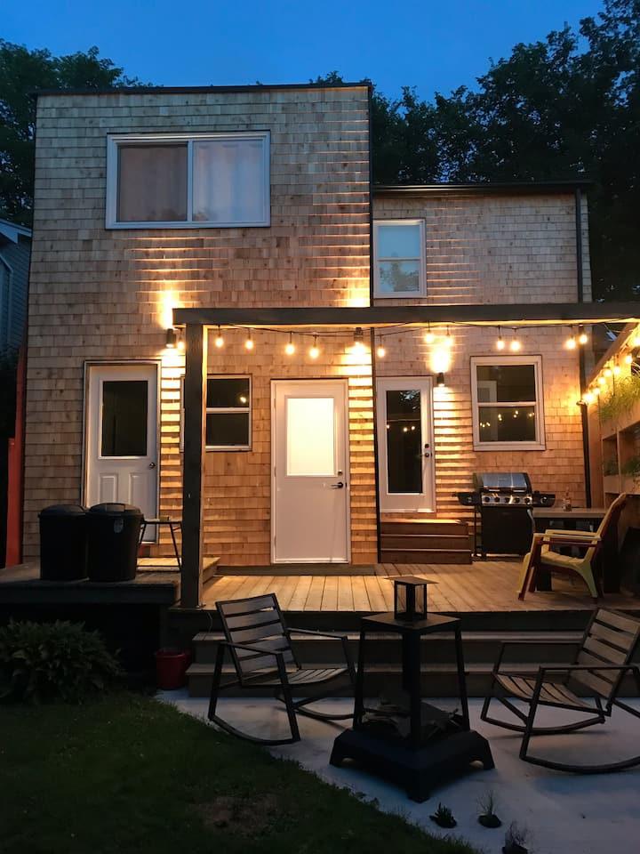 Bright West End Basement Suite