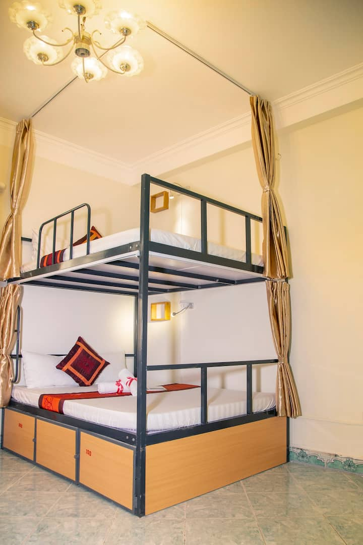 Double Bed in Mixed Dormitory Room