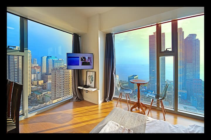 Amazing Manila Bay View! Spacious Comfy, Clean *31