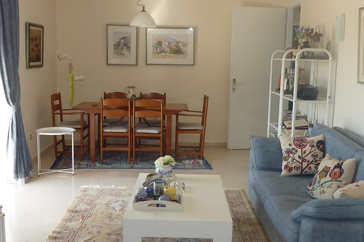 Loutraki apartment 200 meters from beach / Casino