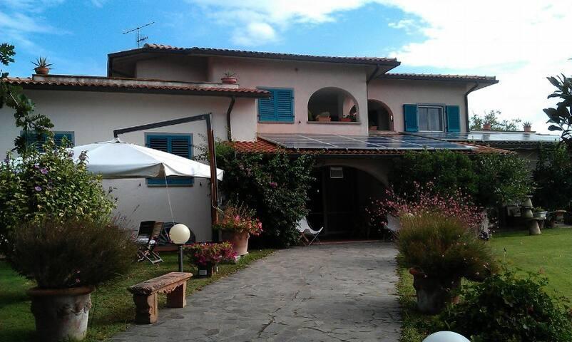 Casa Rosa Castiglione della Pescaia - Castiglione della Pescaia - Casa