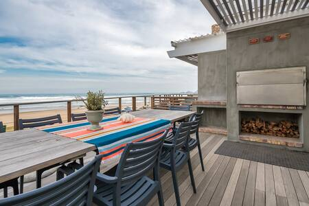 Beautiful beachfront apartment - Arbeidsgenot