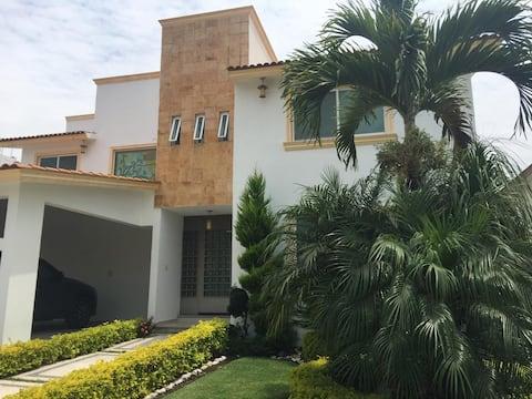 Bonita Casa en Lomas de Cocoyoc, caldera incluida!