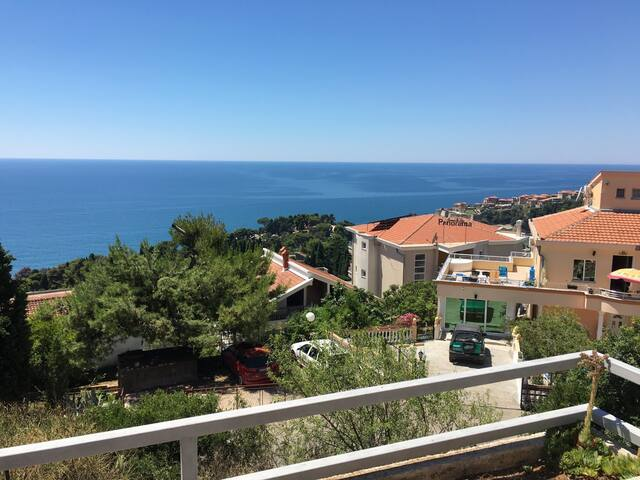 Perfect sea view apartment + terace 2
