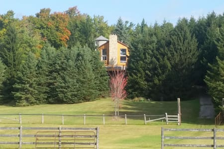 Beautiful 10 acre paddock property and country home surrounded by pines and maple trees. Enjoy fire places, seasonal landscapes and amenities from pool/sauna, access to the Bruce Trail, Hockley Valley ideal for cycling, hiking,  skiing & snowshoeing.