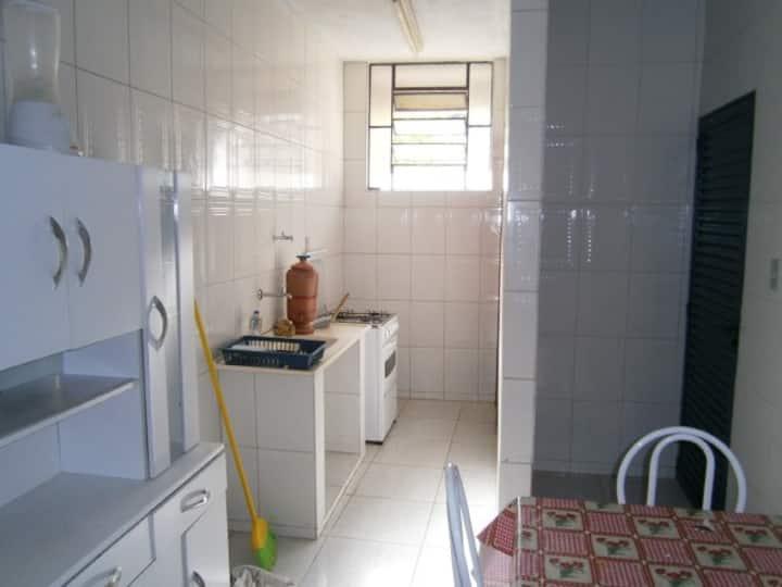 Apartamento Mobiliado 02 quartos