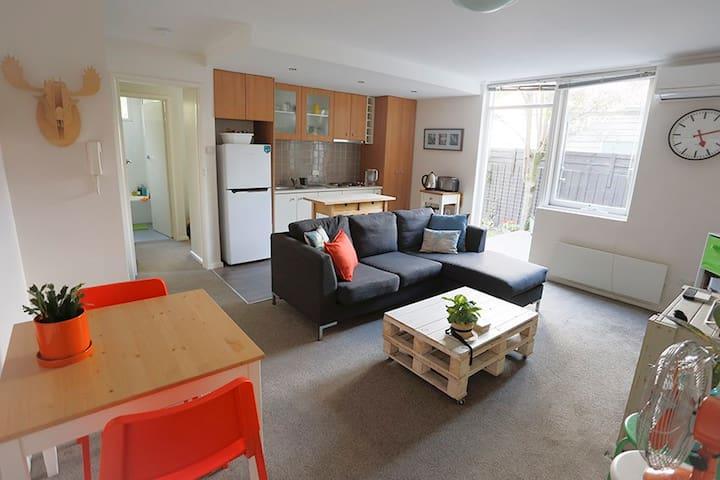 Cosy, Comfy Garden Apartment in Alphington