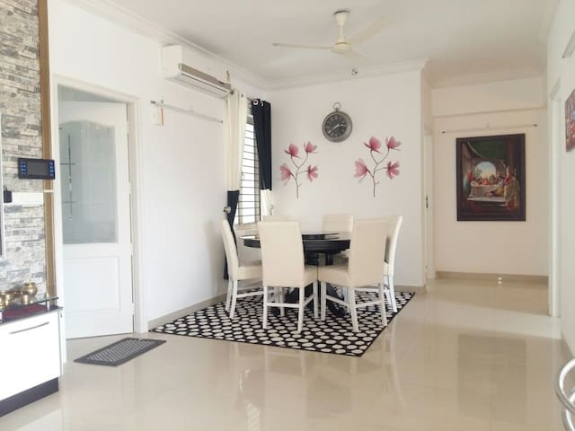 Modern  Furnished 3BR Apartment steps from City .