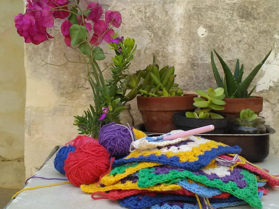 However airbnb does not offer its Experiences in Malta yet, if you you would like to learn basic crochet or knitting during your holiday let me know.