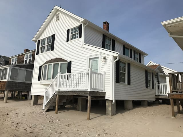 Ocean front beach house! - Old Lyme - Haus