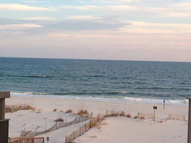 BEACH FRONT COMPLEX