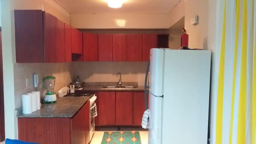 Cómodo Apartamento en primer nivel con dos parqueo