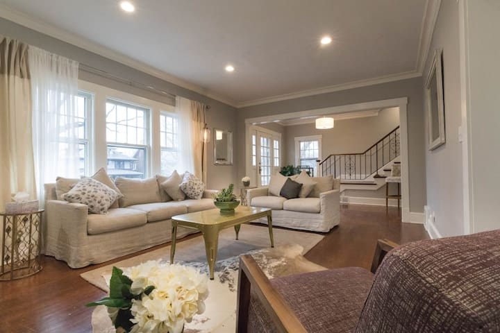 Bright and Spacious Dundee Home