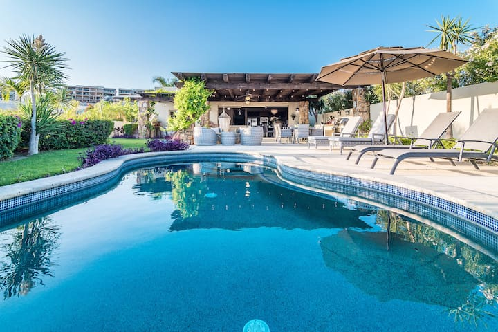 Luxury +Private Pool + Great Views + Ranch Style!